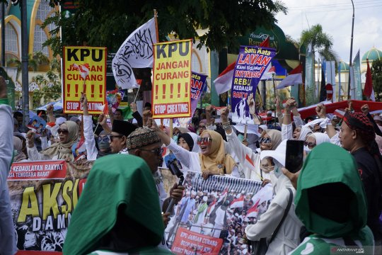 Aliansi Kedaulatan Rakyat gelar aksi damai depan KPU dan Bawaslu NTB