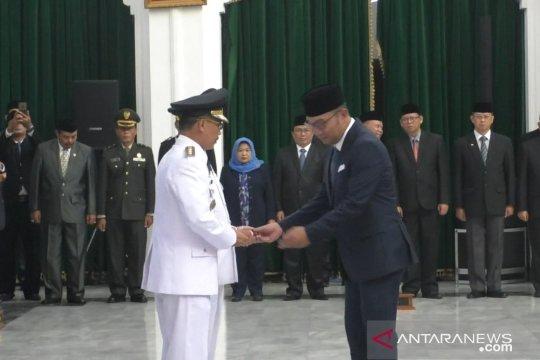 Ridwan Kamil tegaskan pelantikan Bupati Cirebon sesuai aturan hukum
