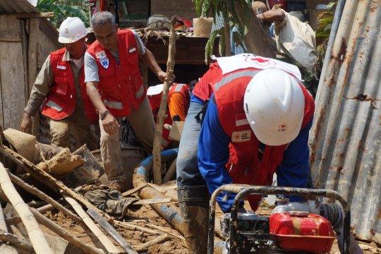 PMI pasok air bersih untuk korban banjir Bengkulu