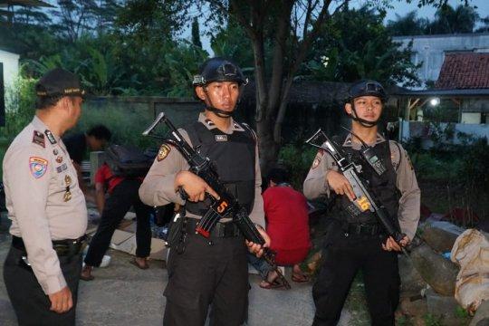 Polisi bekuk terduga teroris jaringan ISIS di Cibinong Bogor