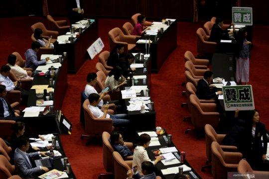 Perkelahian terjadi di parlemen Taiwan atas perkara pencalonan pejabat