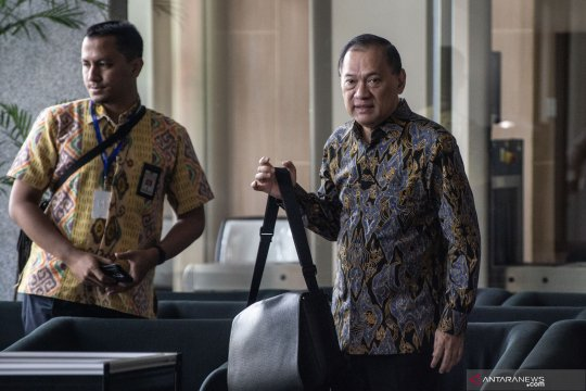 Mantan Menkeu Agus Martowardojo jalani pemeriksaan di gedung KPK