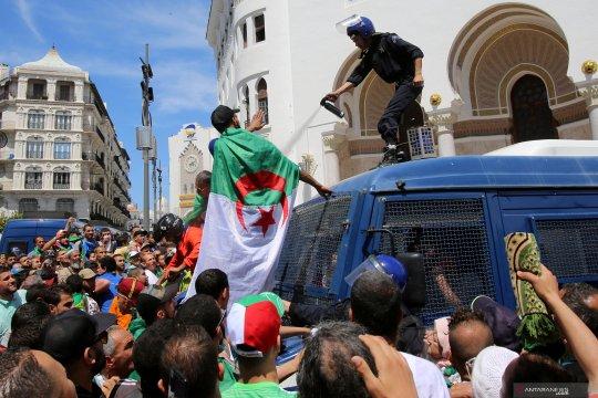 Presiden sementara Aljazair serukan dialog untuk persiapkan pemilu