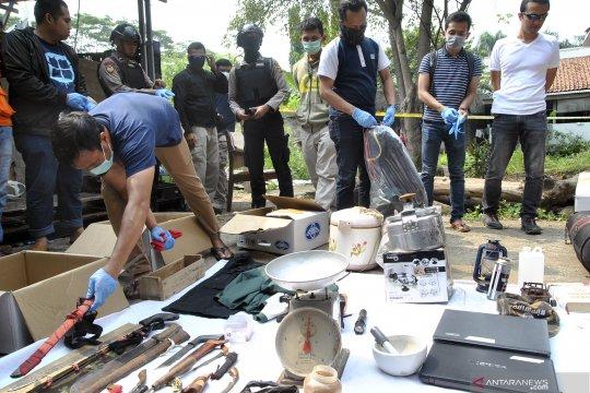 Berita hukum menarik,  penangkapan teroris dan target ledakan