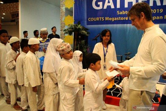 Donasi Courts berbagi