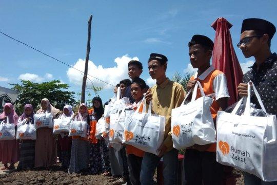 Rumah zakat Aceh salurkan 400 paket Lebaran untuk anak yatim