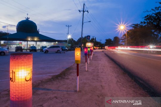 Masyarakat Pekanbaru lestarikan tradisi hias masjid dengan lentera
