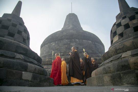Ziarah Waisak di Candi Borobudur