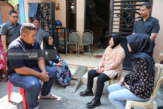 Wali Kota Surabaya kunjungi 11 keluarga KPPS meninggal