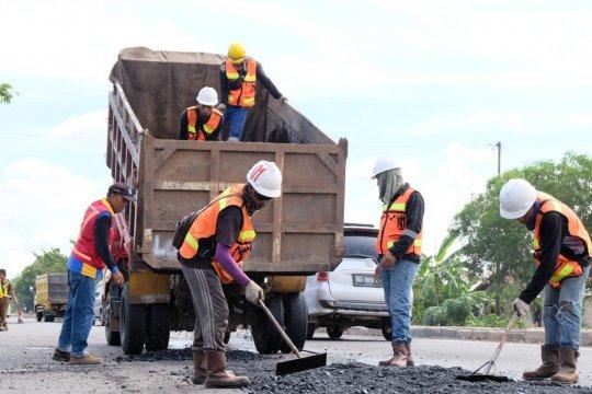 Jelang Lebaran, Pemkab Banyuasin minta jalan rusak segera diperbaiki