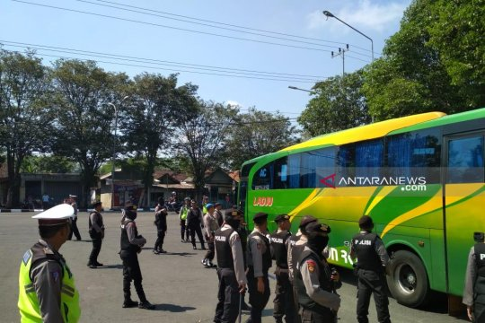 "Polres Lumajang cegah pergerakan massa aksi ""people power"""