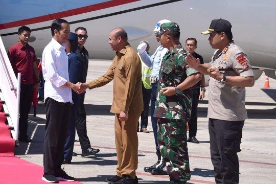 Jokowi menumpang CN-295 resmikan Bendungan Rotiklot NTT