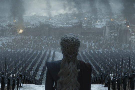 """Emilia Clarke ucapkan selamat tinggal pada """"Game of Thrones"""""""