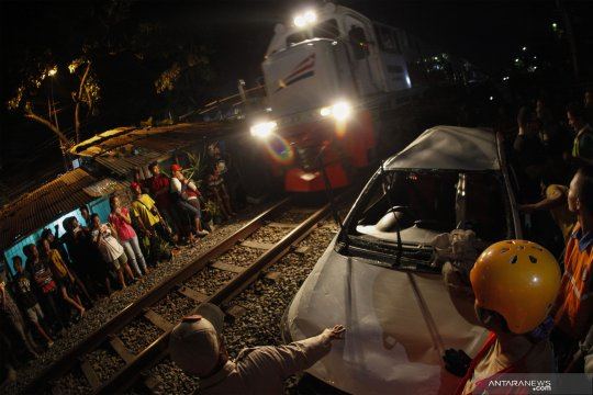 Masyarakat diingatkan hati-hati melintasi perlintasan kereta api