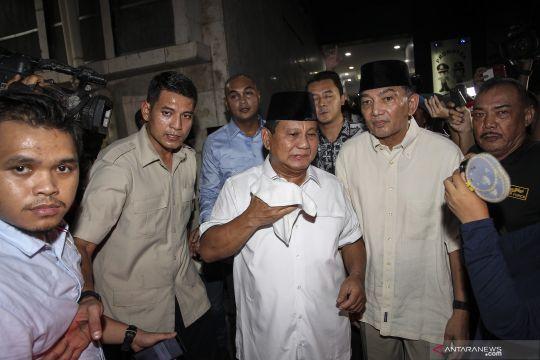 Prabowo tinggalkan nasi padang bawaannya pada keluarga Eggi Sudjana