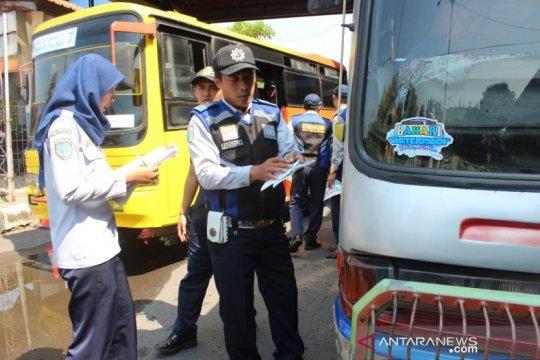 Pekalongan uji kelaikan bus pengangkut arus mudik dan balik