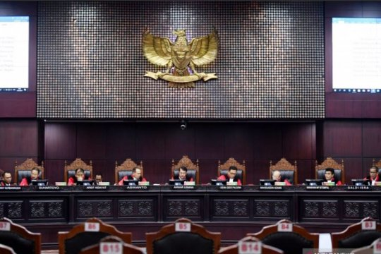 Tiga advokat gugat aturan syarat perolehan suara pilpres