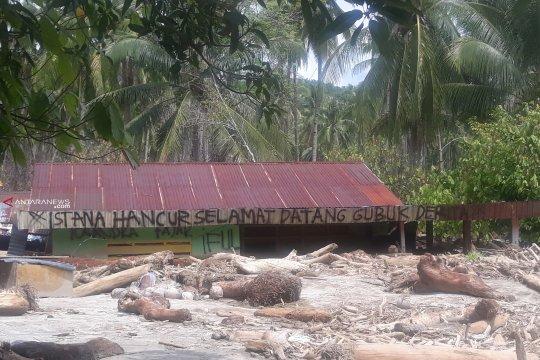 Korban banjir Bangga-Sigi sulit evakuasi isi rumah