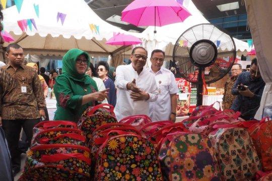 "Setelah resmi dibuka Menkop, Smesco Bazar Ramadhan ""diserbu"" warga"