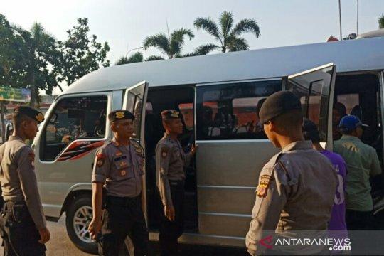 Polisi Karawang razia massa yang akan ke Jakarta