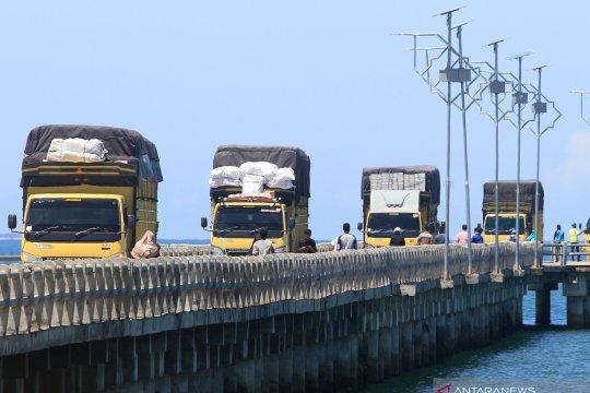 Aktivitas angkutan barang dihentikan jelang Idul Fitri