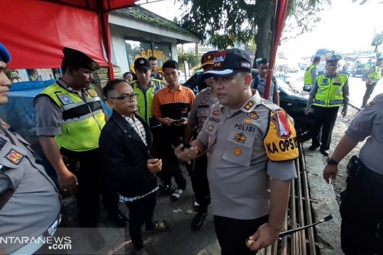 Aparat keamanan gabungan Sukabumi amankan peserta aksi 22 Mei