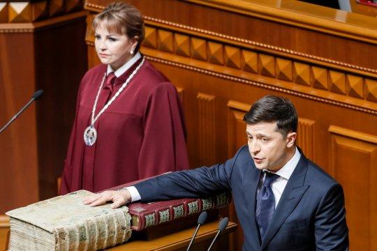 Presiden Zelenskiy mengadu ke Putin pascakematian tentara Ukraina