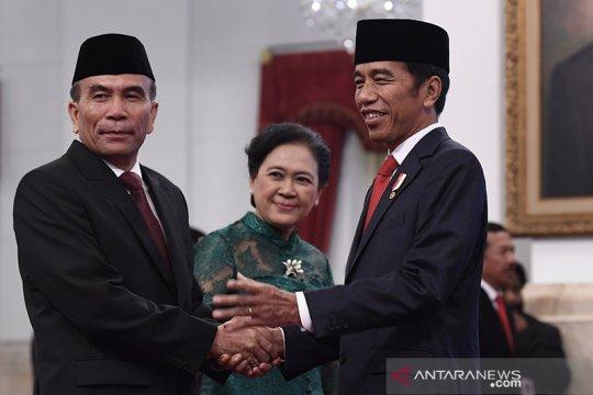 Jokowi angkat Hinsa Siburian jadi Kepala Badan Siber dan Sandi Negara