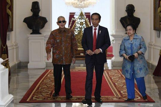 Presiden Joko Widodo menerima kunjungan Megawati Soekarnoputri dan Try Sutrisno