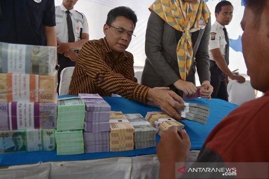 Layanan penukaran uang di Jatim tidak terganggu