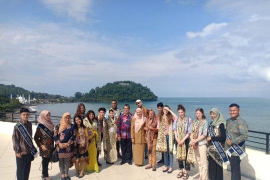 Belasan pemuda program BSBI pelajari seni budaya Minangkabau