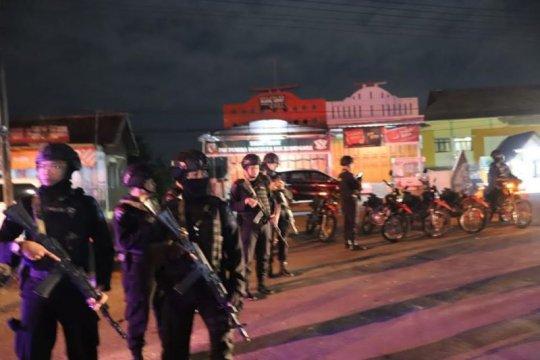 Operasi penyekatan massa di jalan Garut-Bandung