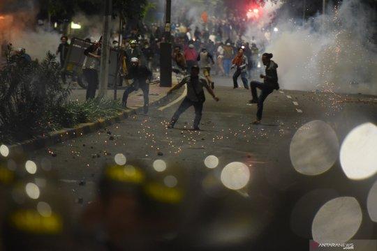 """Ajakan """"people power"""", hasilnya kerusuhan politik"""