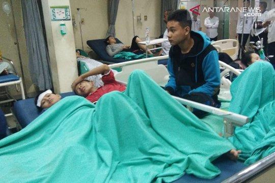 Siswa sekolah olahraga keracunan dilarikan ke dua rs di Palembang