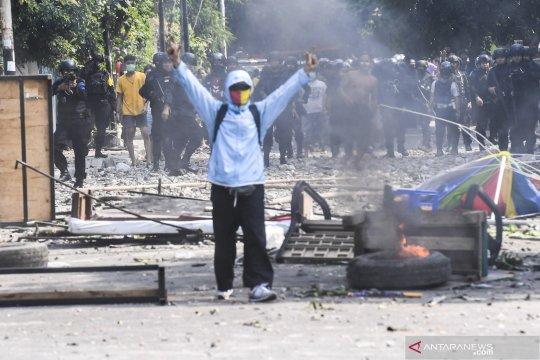 Puluhan orang diduga provokator dibawa ke Polda Metro Jaya