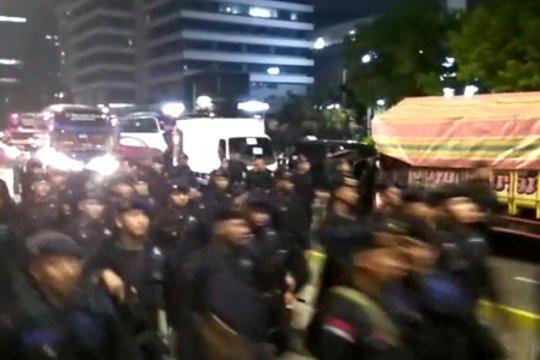 """Penyebar hoaks """"Brimob China"""" ditangkap, terancam hukuman enam tahun"""