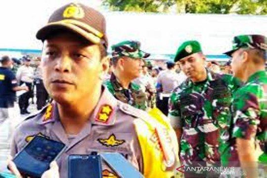 60 aparat gabungan Polres Biak jaga kantor KPU