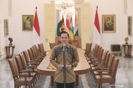 Jokowi minta AHY jadi jembatan komunikasi dengan SBY