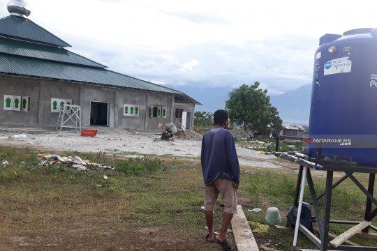 Warga Palu minta pemerintah sediakan air di lokasi pengungsian