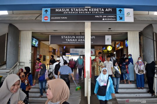 Aktivitas di stasiun Tanah Abang kembali normal