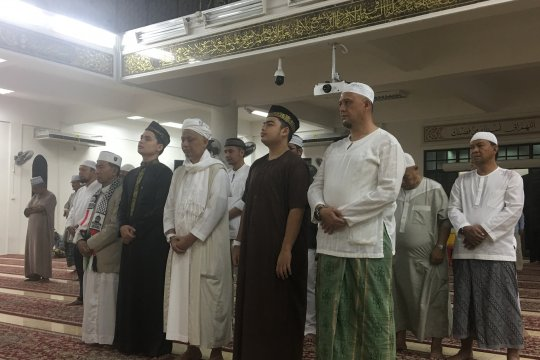 Ustadz Arifin Ilham dishalatkan di Masjid Al-Munawar Penang