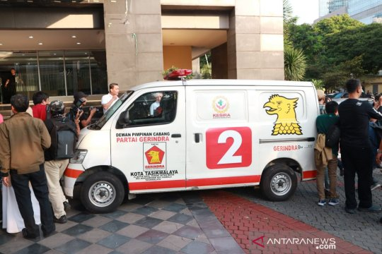 Ambulans Gerindra berisi batu diduga milik perusahaan adik Prabowo