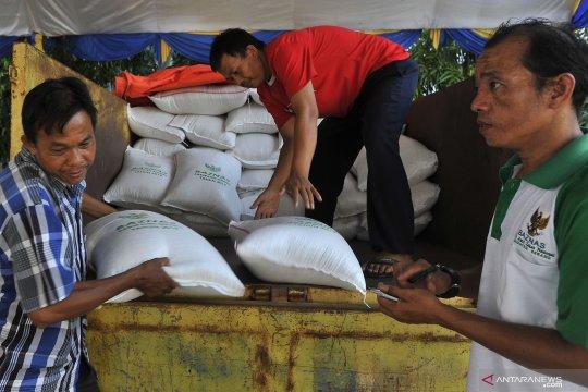 Baznas Pamekasan salurkan 5.000 paket sembako