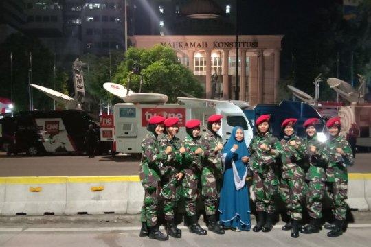 Wanita tentara perkuat pengamanan di gedung Mahkamah Konstitusi
