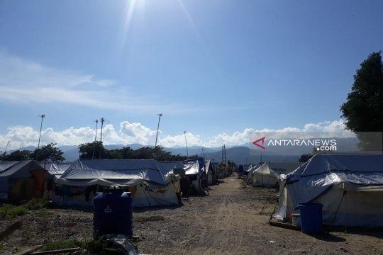 Sebagian korban likuefaksi Jono Oge masih berada di tenda