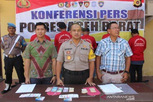 Polisi Aceh Barat tangkap lima warga bermain judi di Ramadhan