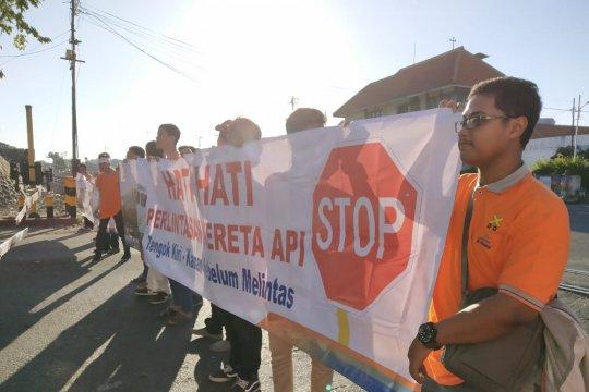 Daop Surabaya siagakan 175 petugas ekstra di jalur rawan kereta api