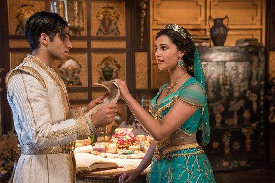 """Alasan pusar Jasmine tertutup dalam """"Aladdin"""" live action"""