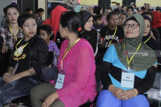 23 TKI deportasi ke Nunukan lahir di Malaysia