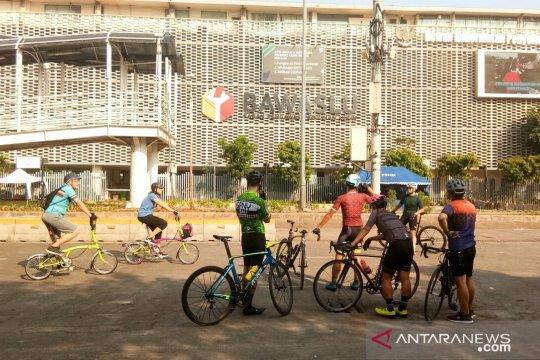 Warga Jakarta manfaatkan kawasan bebas kendaraan Thamrin-Bundaran HI
